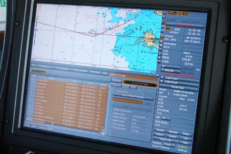 Navigation_system_on_a_merchant_ship